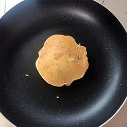 もっちりお芋パンケーキ